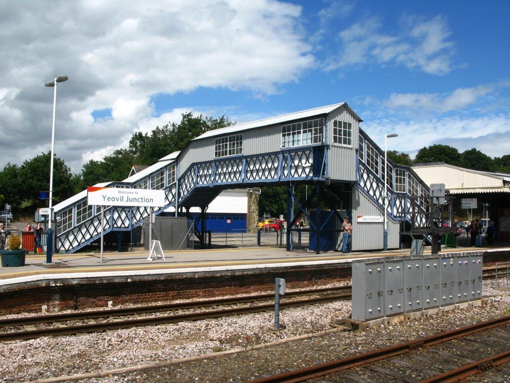 2010_at_Yeovil_Junction_-_footbridge
