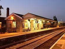 220px-Castle_Cary_railway_station_-_platform_1_-_01