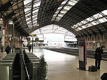 Bristol_Temple_Meads,_automatic_ticket_gates_and_platform_3